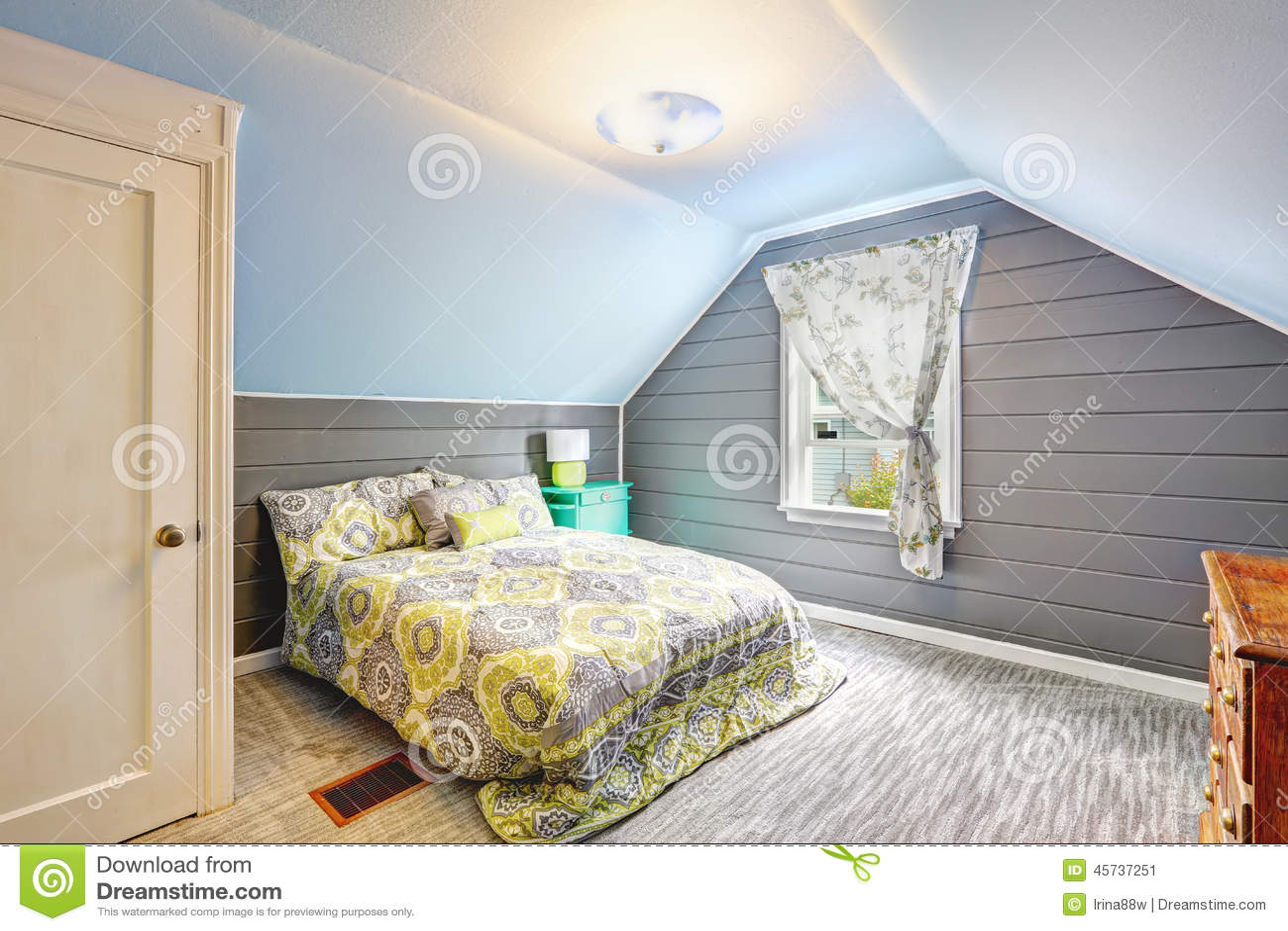Bedroom Design Grey Walls