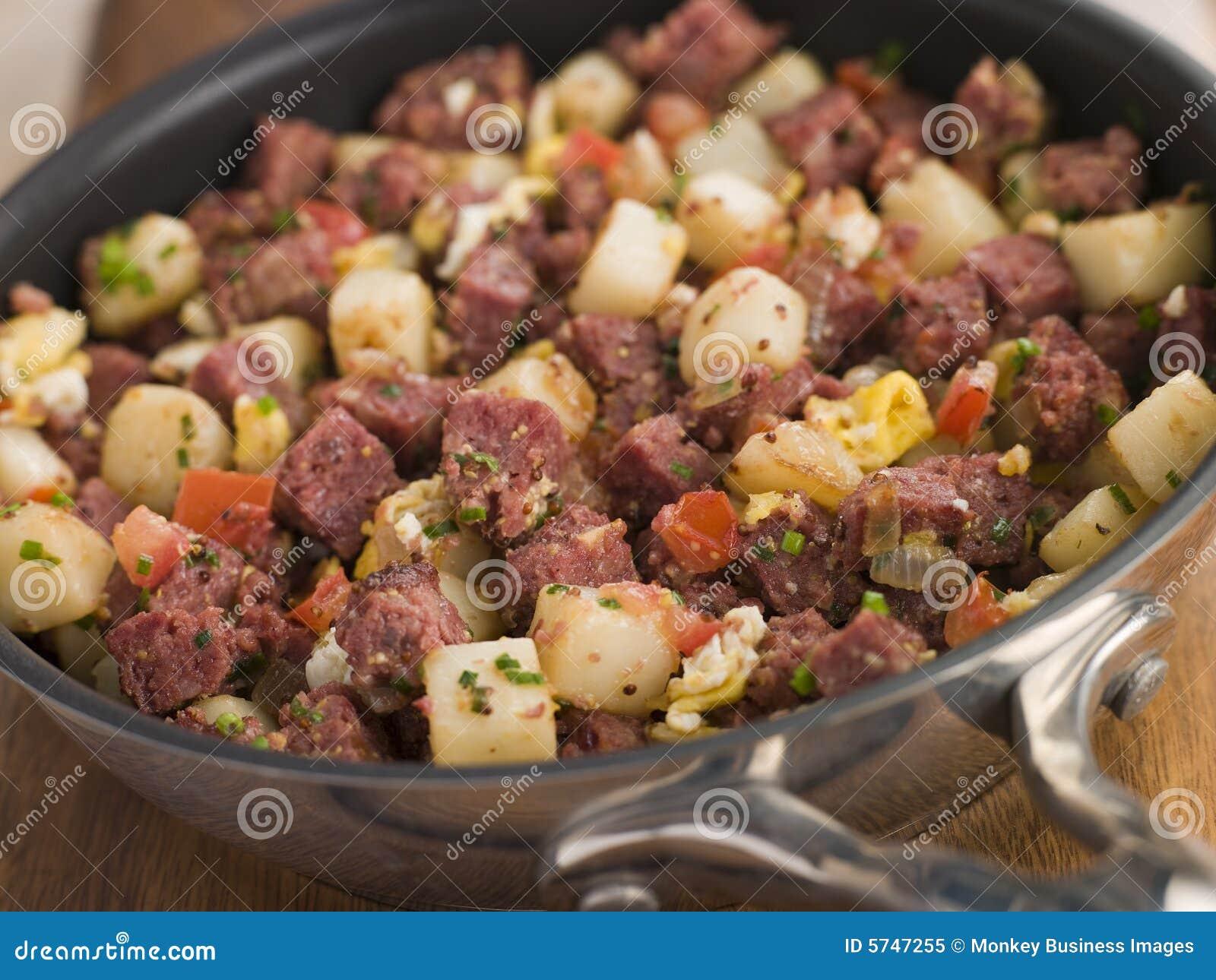Beef-Durcheinander in einer Bratpfanne