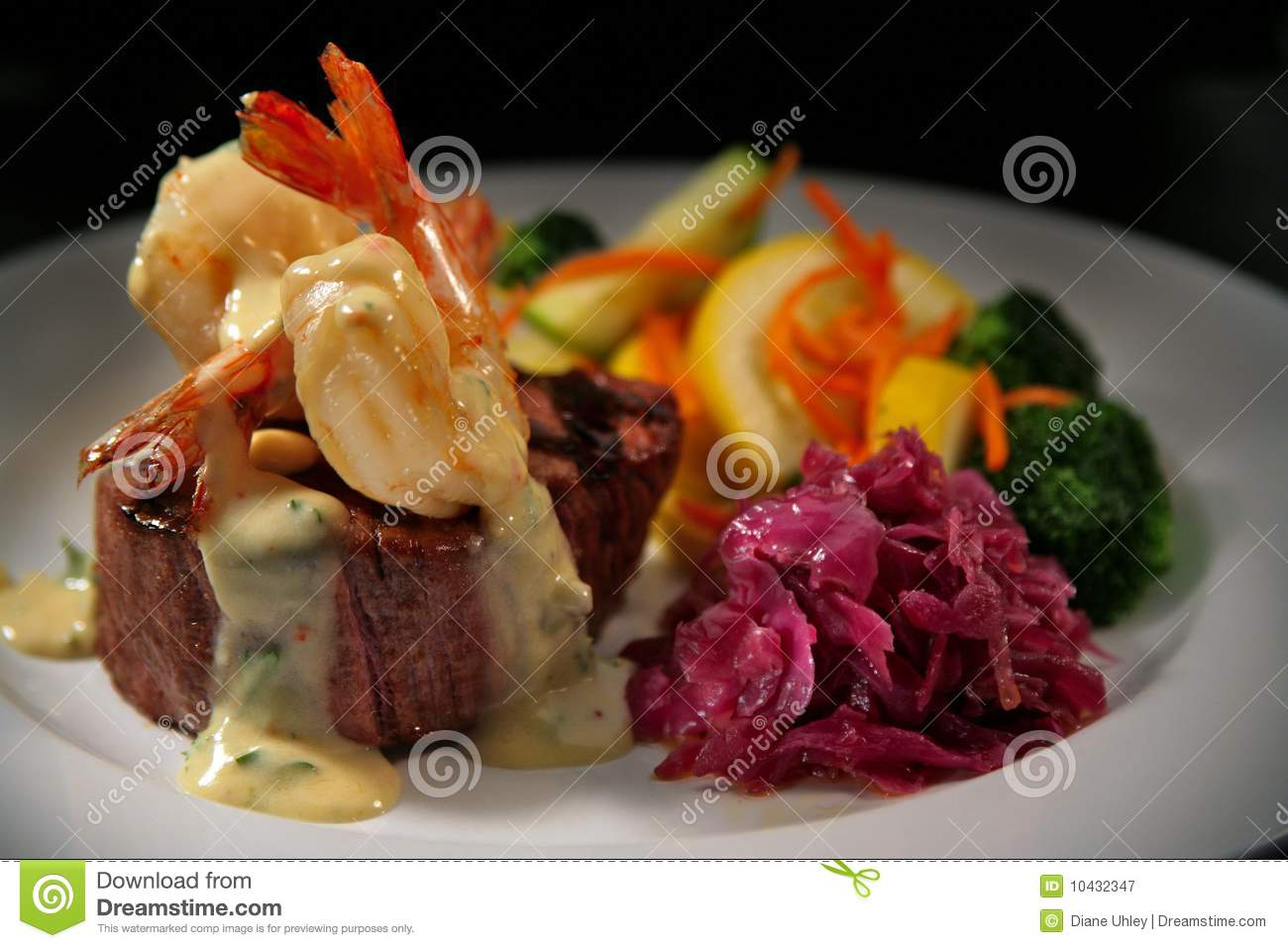 Beef Filet Mignon With Shrimp And Veggies Royalty Free