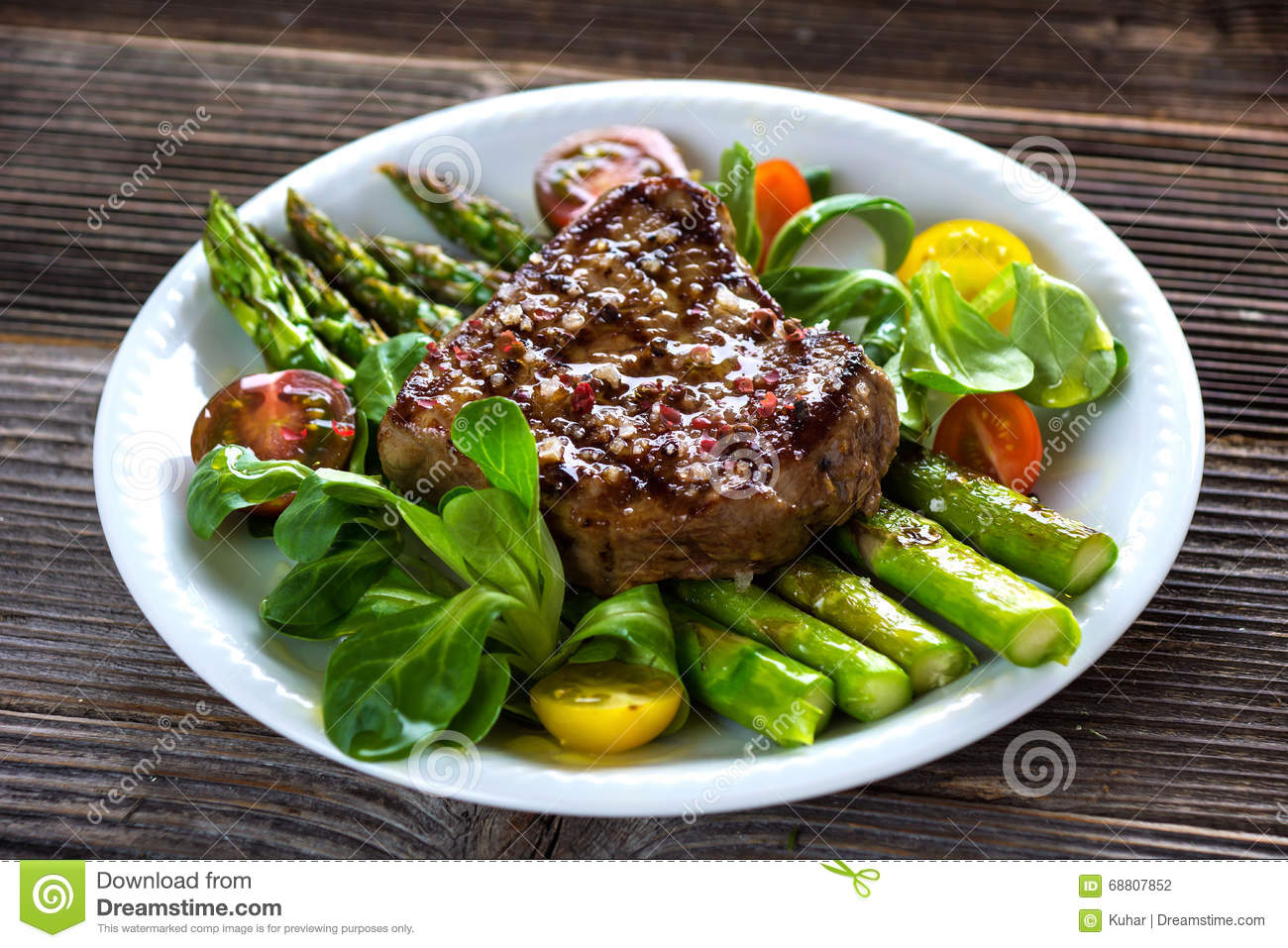 Beef Steak With Grilled Asparagus Stock Photo - Image of ...