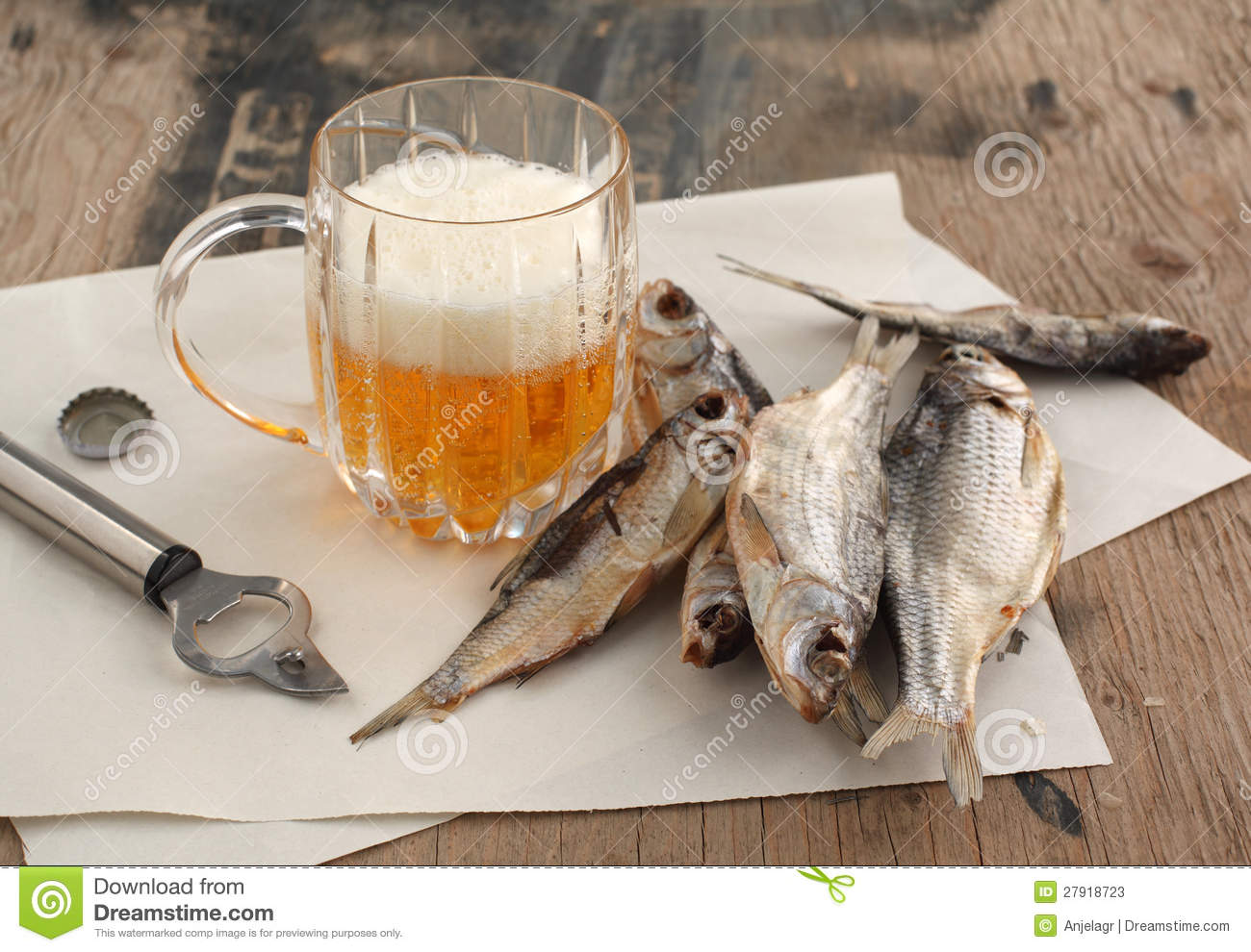Beer and dry fish stock photos image 27918723 for Fish and beer