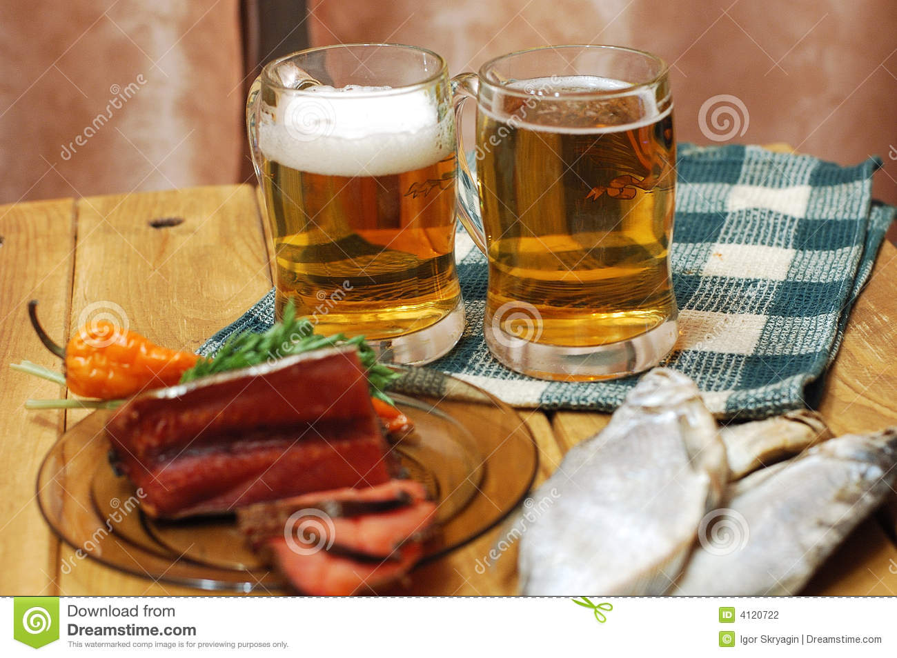 Beer and fish on table stock photography image 4120722 for Fish and beer