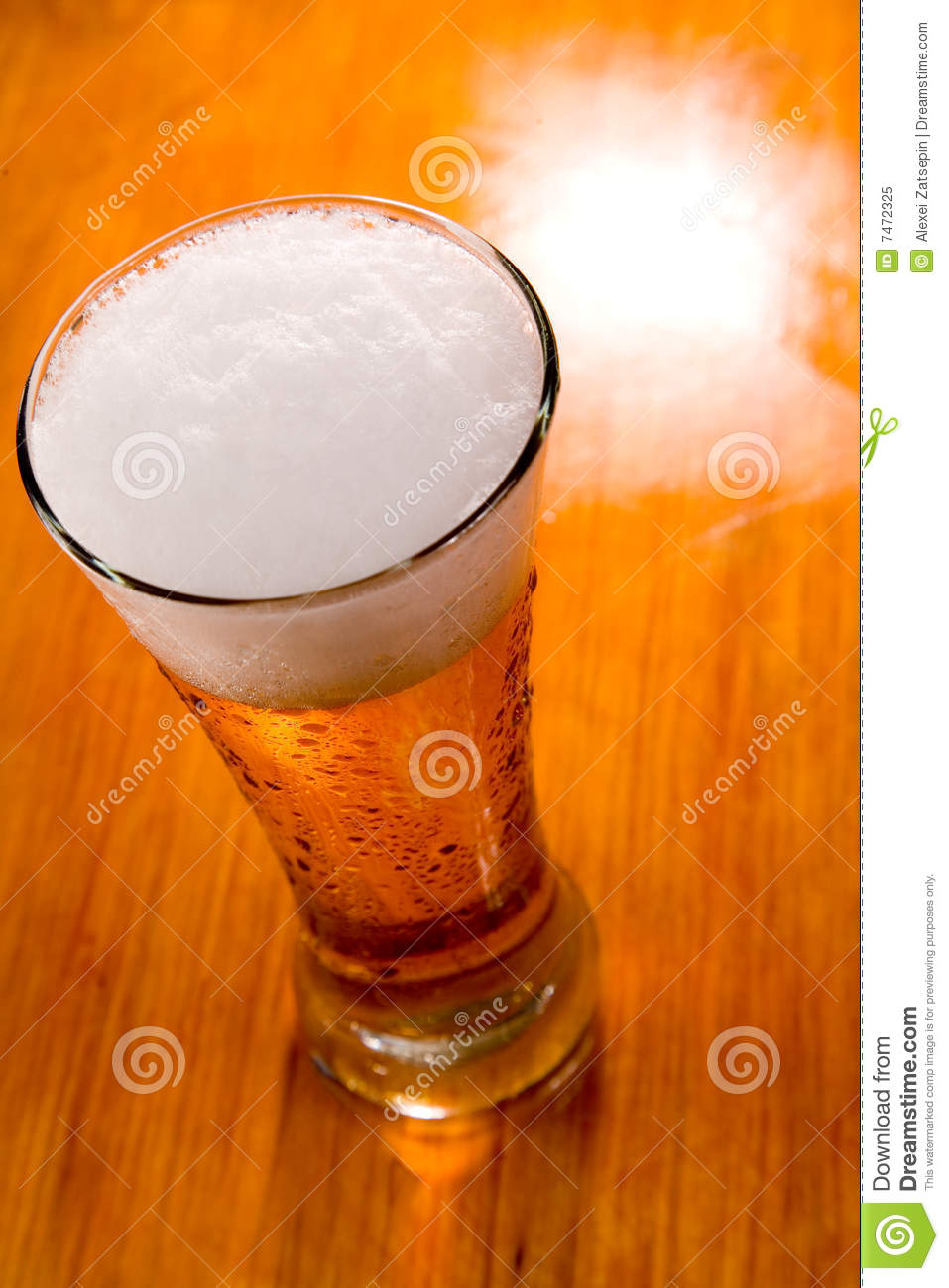 glass beer on wood - photo #10