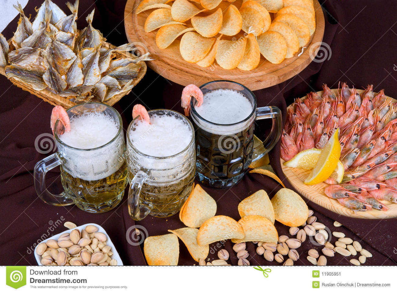 http://thumbs.dreamstime.com/z/beer-set-11905951.jpg