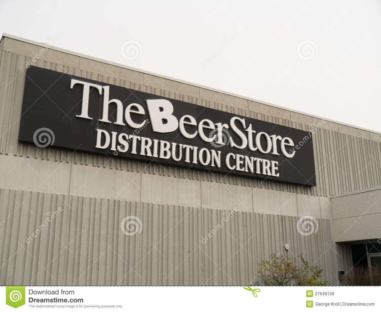 the beer store editorial stock image image 27649139. Black Bedroom Furniture Sets. Home Design Ideas