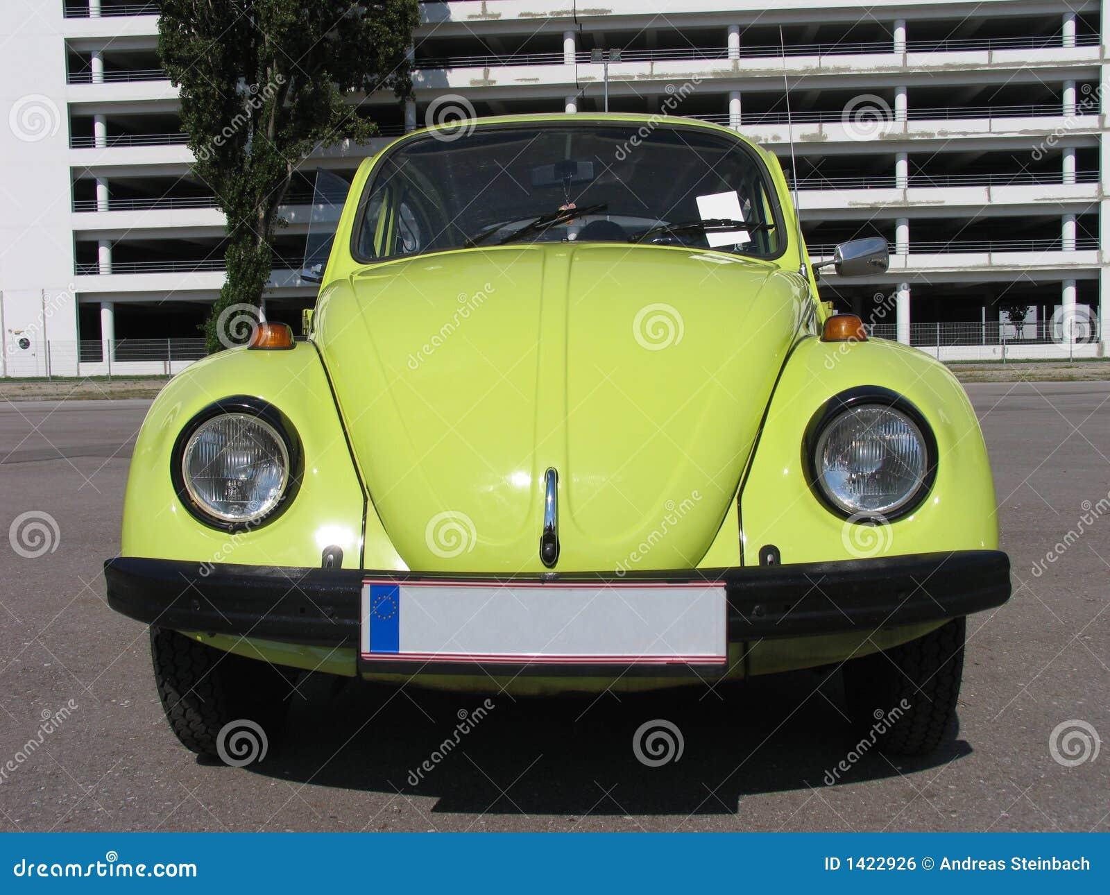 Beetle volkswagen classic design yellow royalty free for Garage volkswagen persan