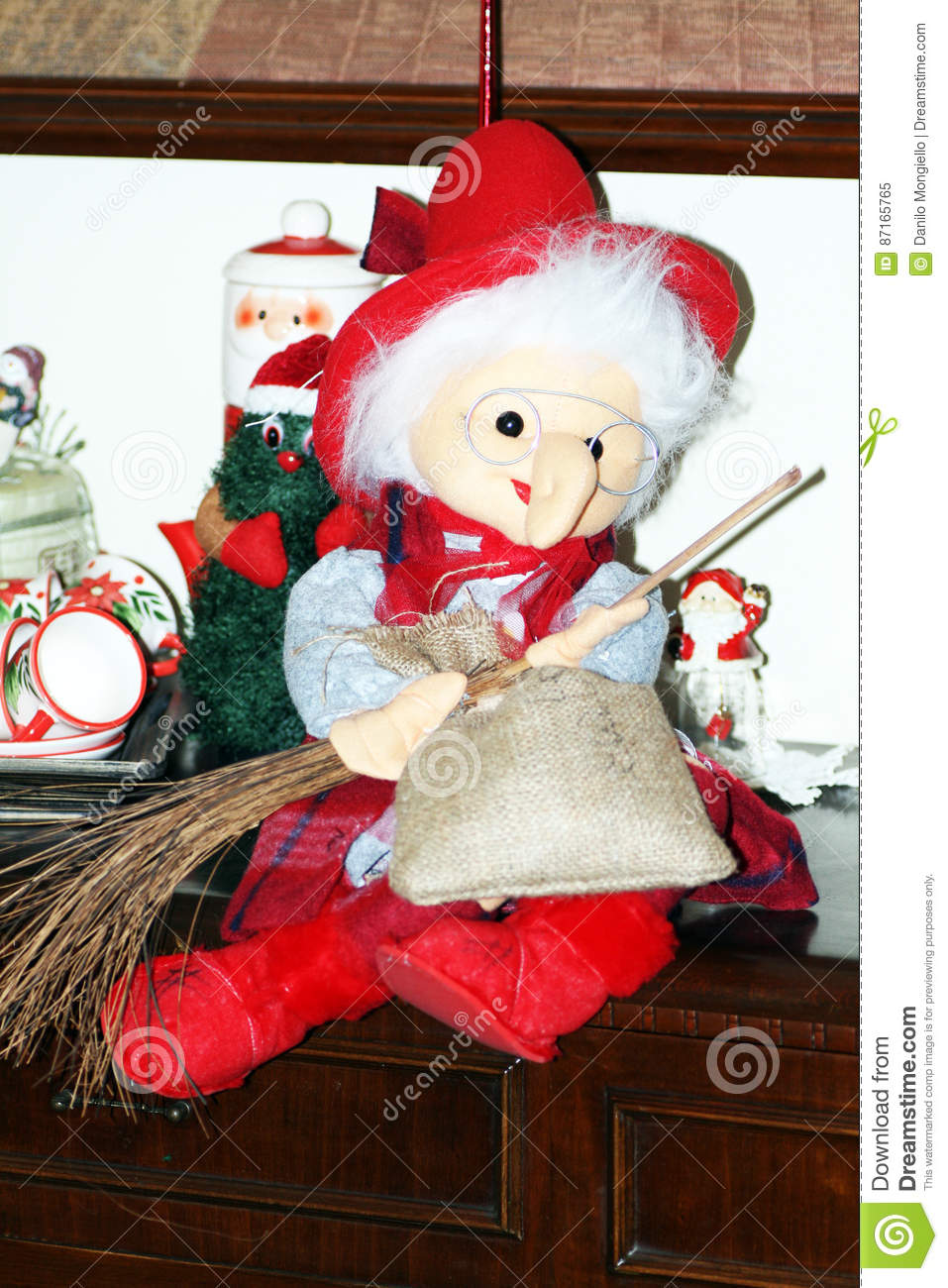 a good italian epiphany witch called befana - Italian Christmas Witch