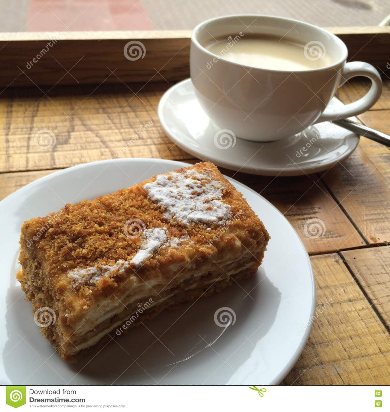 Beginnen Sie Ihr Tag Mit Selbst Gemachtem Feinschmeckerischem Kuchen