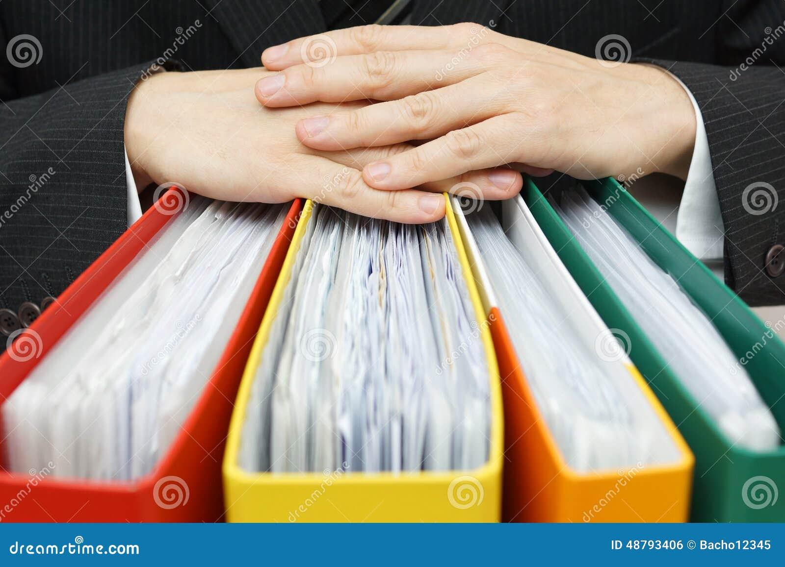 Begrepp av skrivbordsarbete, redovisning, administrationsaffärsmanhåll