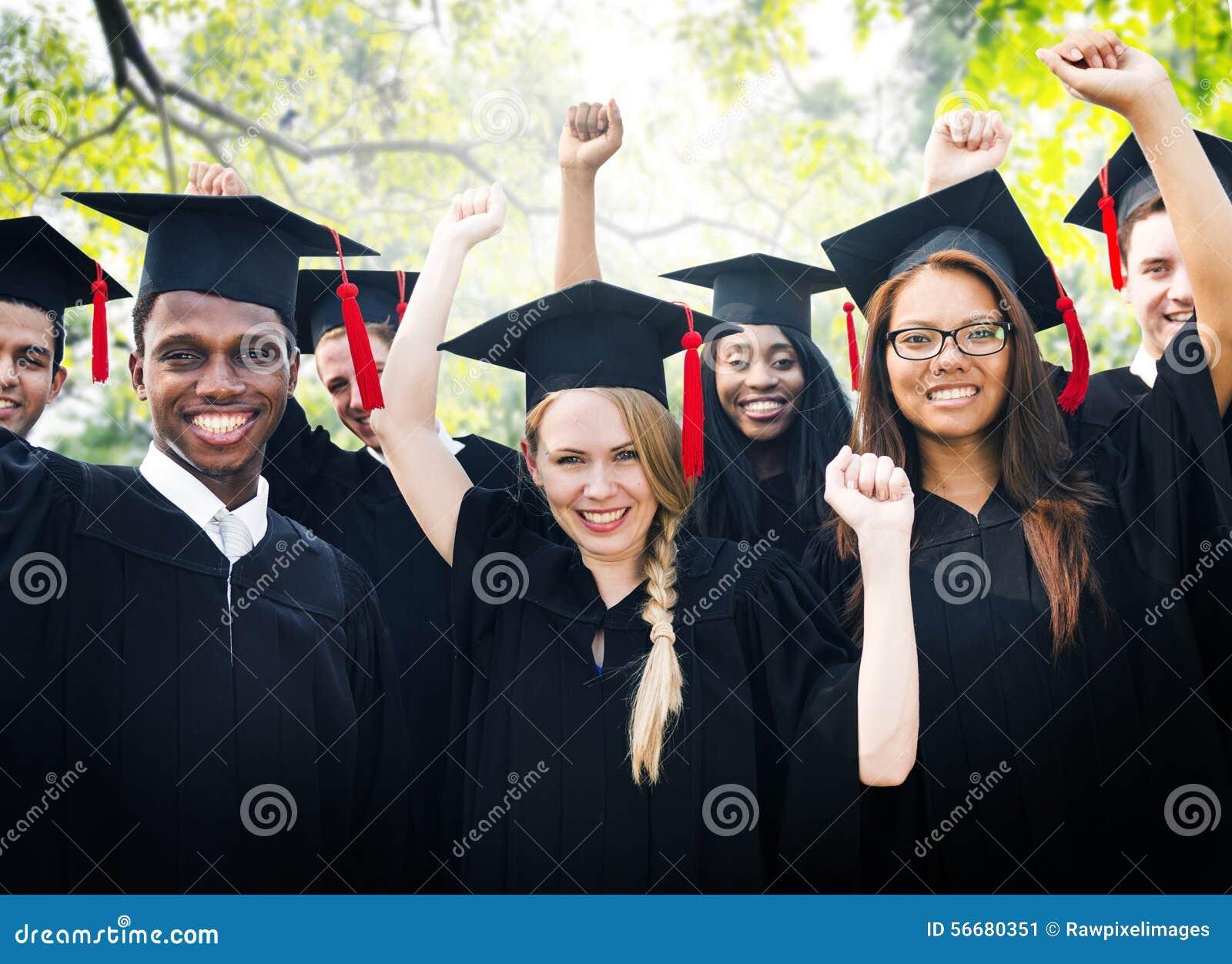 Begrepp för beröm för framgång för mångfaldstudentavläggande av examen