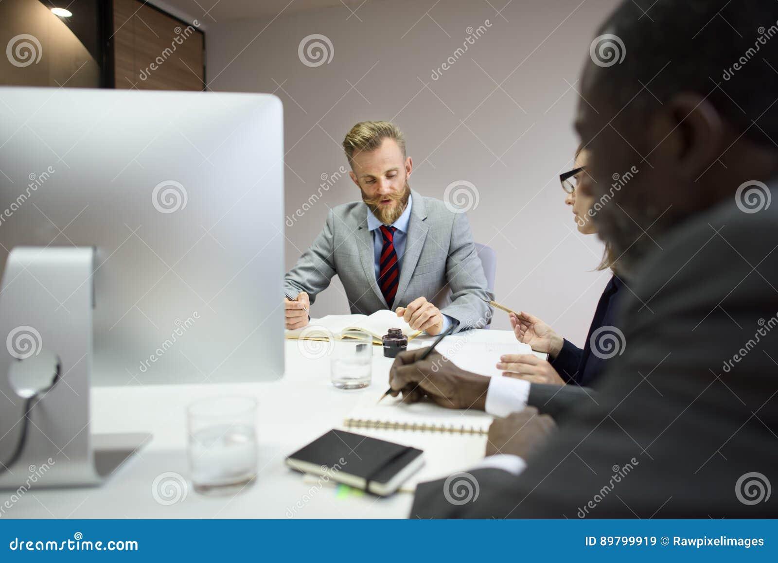 Begrepp för idéer för teamwork för affärskollegakonferens