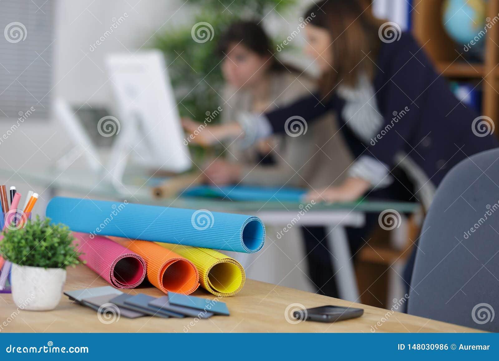 Begrepp för kontor för ritning för ockupation för designstudioarkitekt idérikt