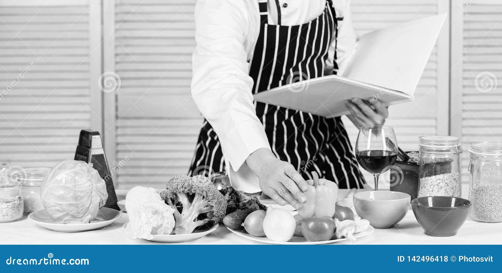 Begrepp för kulinariska konster Förbättra att laga mat expertis Ultimat laga mat handbok för nybörjare Bokfamiljrecept Enligt