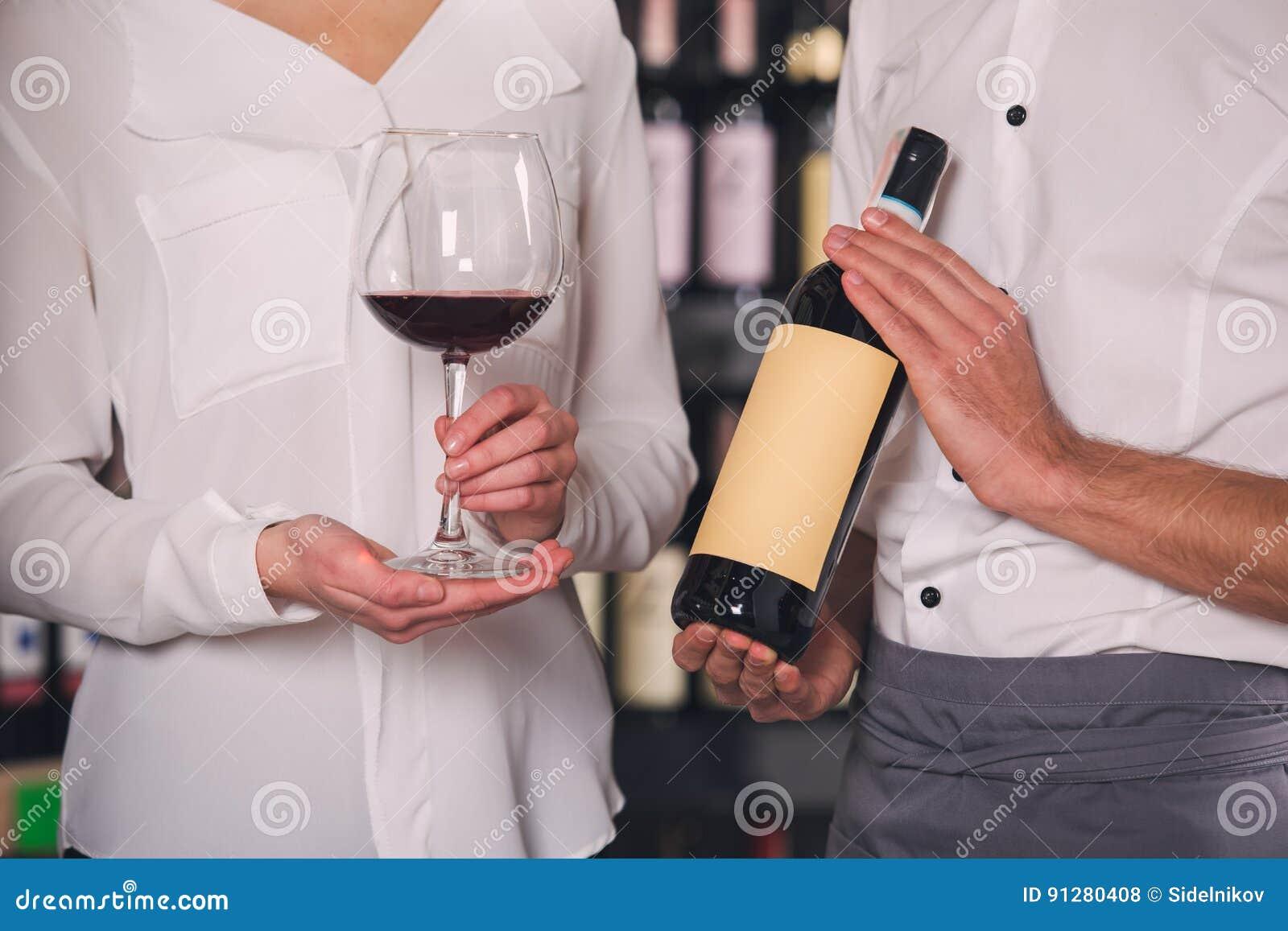 Begrepp för lager för drink för alkohol för Somellier vinaffär