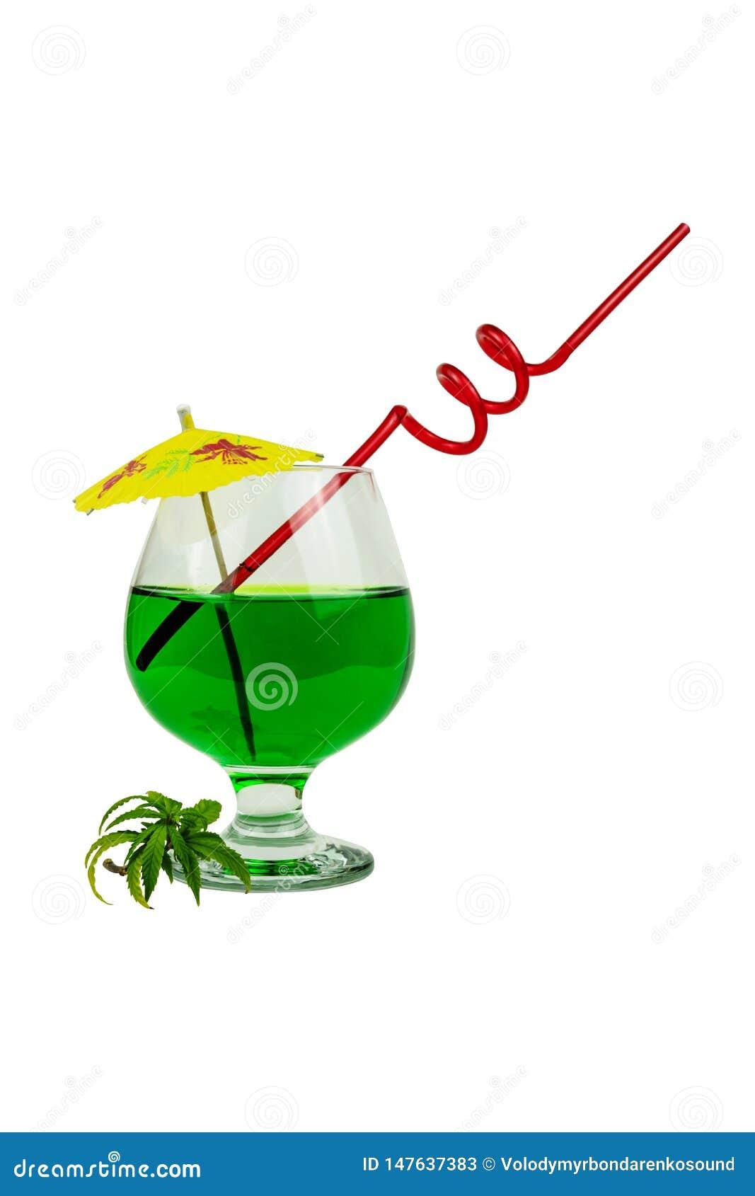 Begreppet av marijuanacoctailen, dricker att inneh?lla thc eller cbd