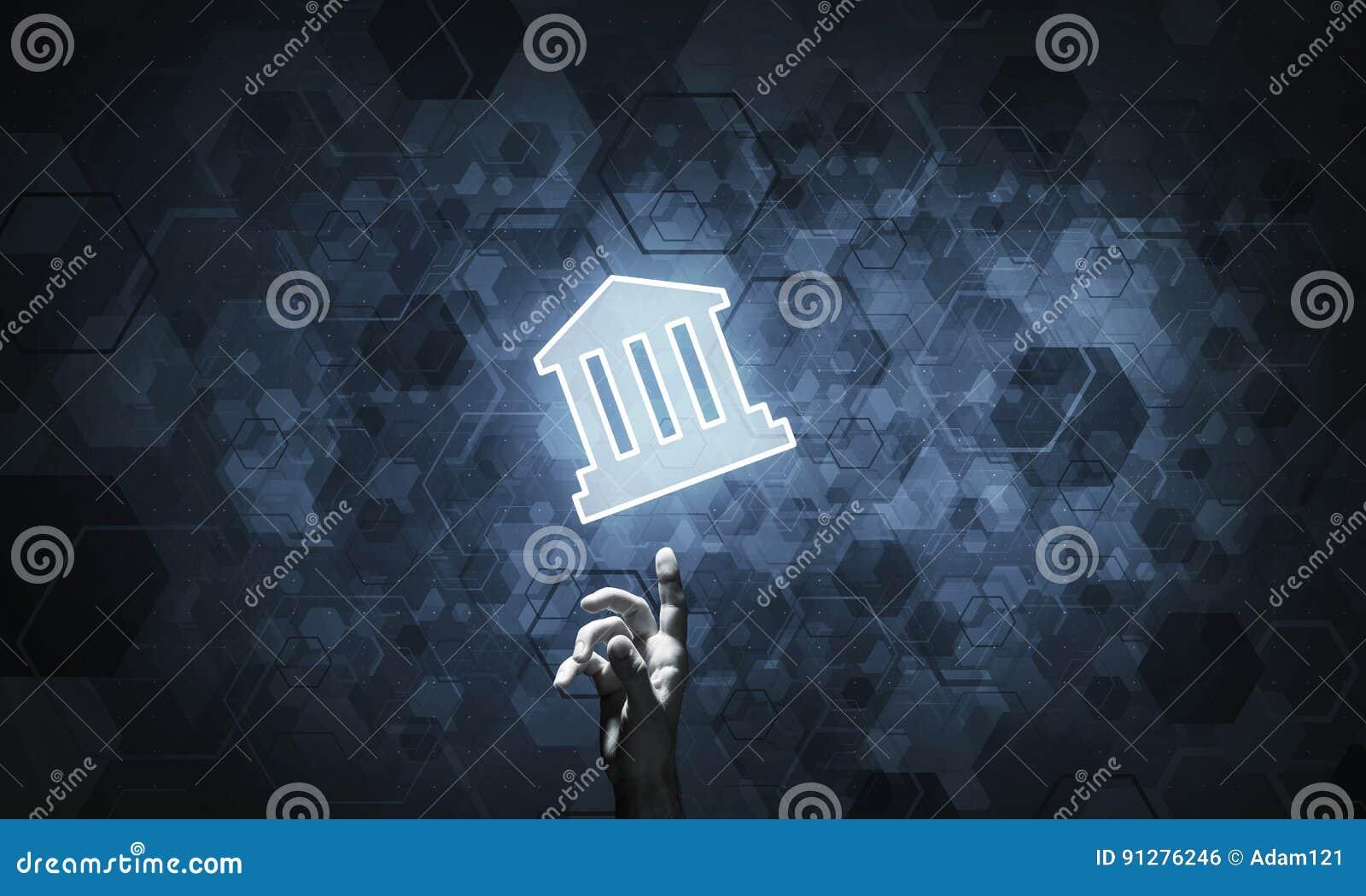 Begreppsmässig bild med handen som pekar på symbolsnollan för hus eller för huvudsaklig sida