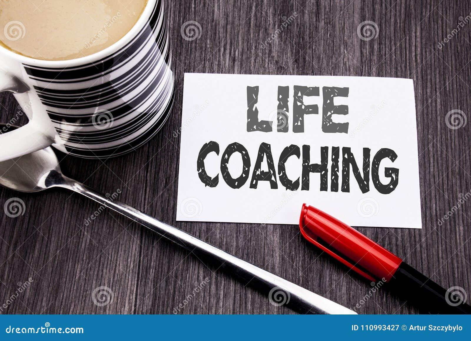 Begreppsmässig coachning för liv för visning för överskrift för handhandstiltext Affärsidé för den personliga lagledaren Help som