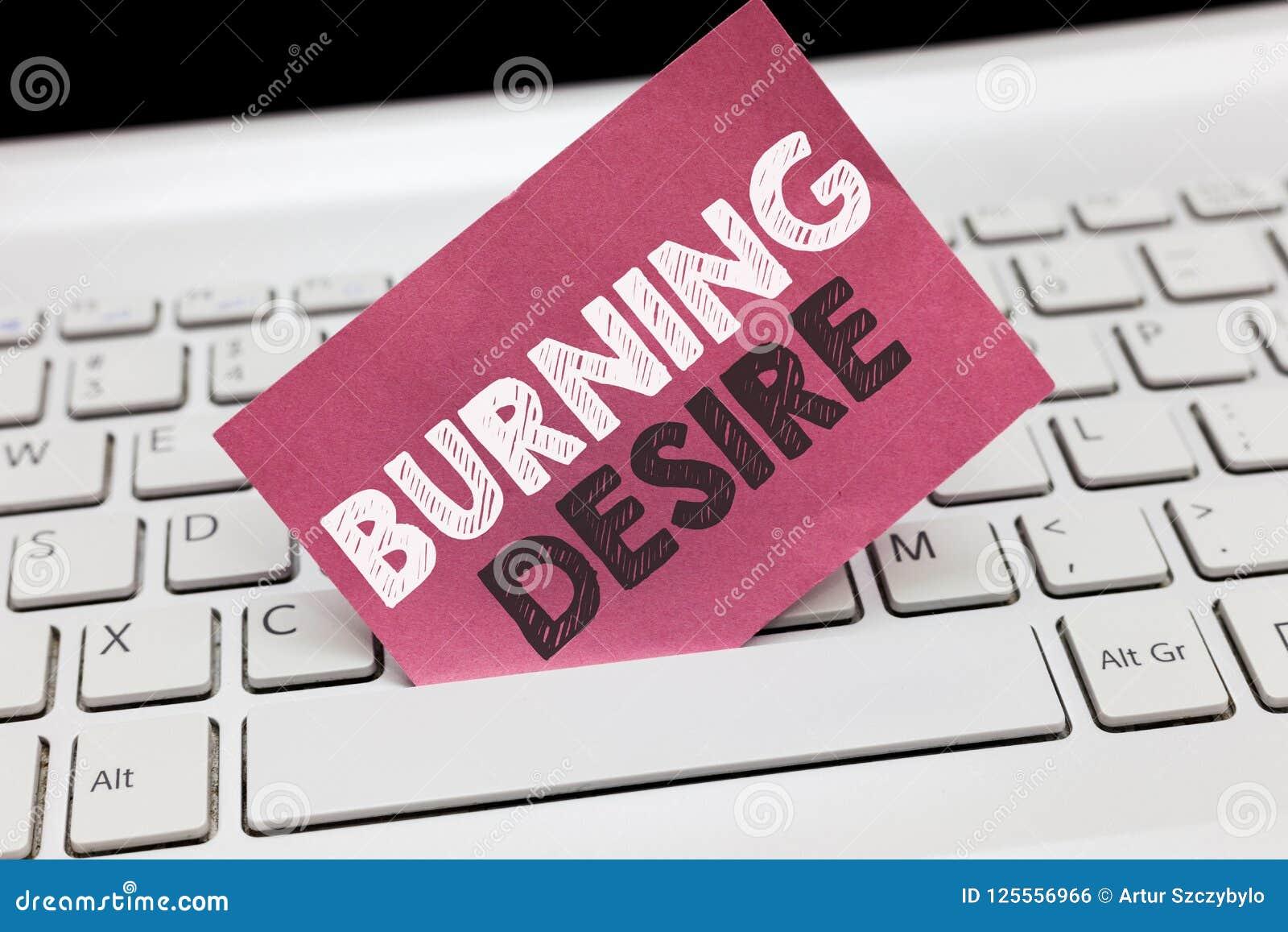 Begriffshandschrift, die brennenden Wunsch zeigt Das Geschäftsfoto, das extrem interessiert für etwas zur Schau stellt, wünschte