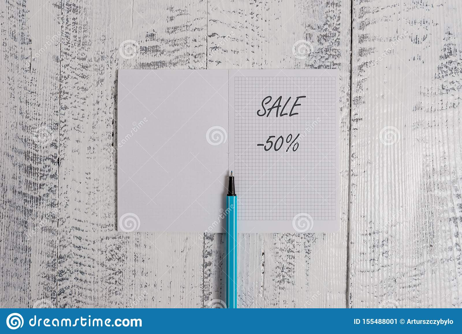 Begriffshandschriftvertretung Verkauf 50 Prozent Geschäftsfoto, das einen Promopreis eines Einzelteils bei 50 Prozent zur Schau s