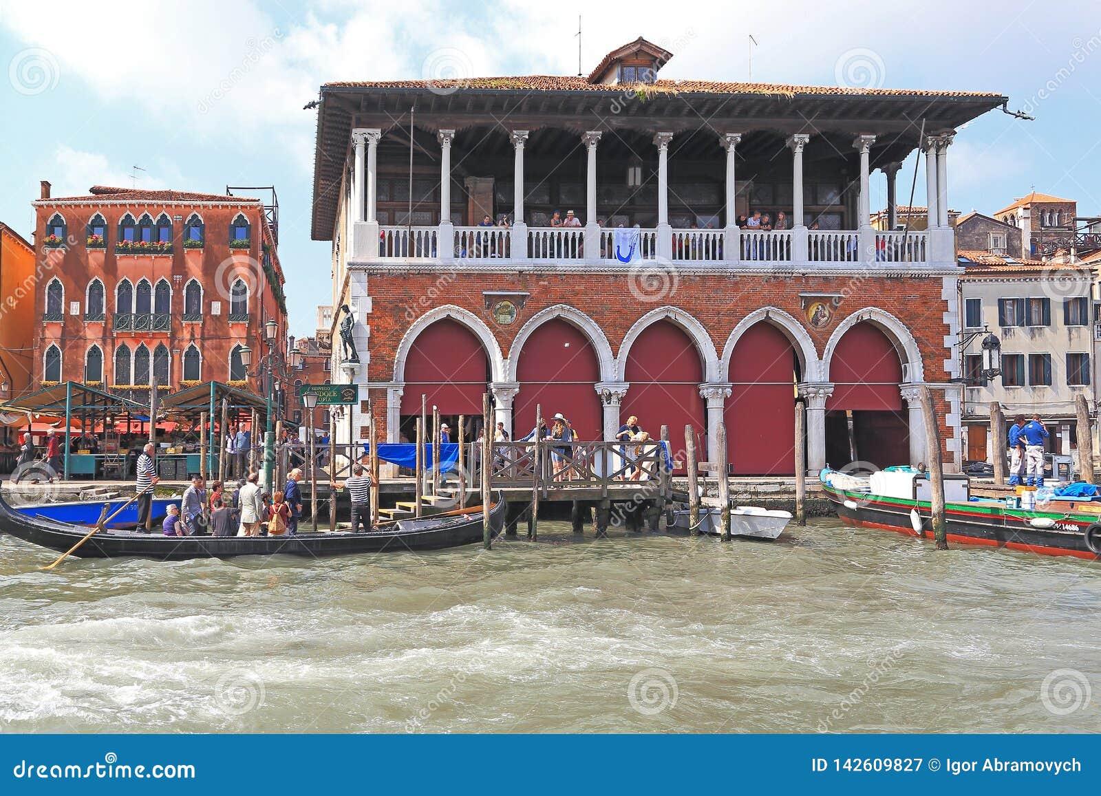 Behandelde Vissenmarkt, Venetië