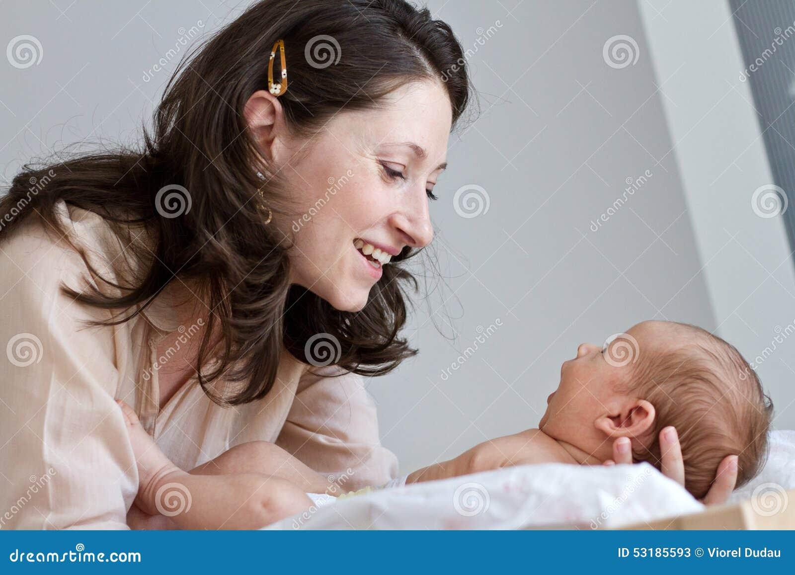 Behandla som ett barn den älska modern