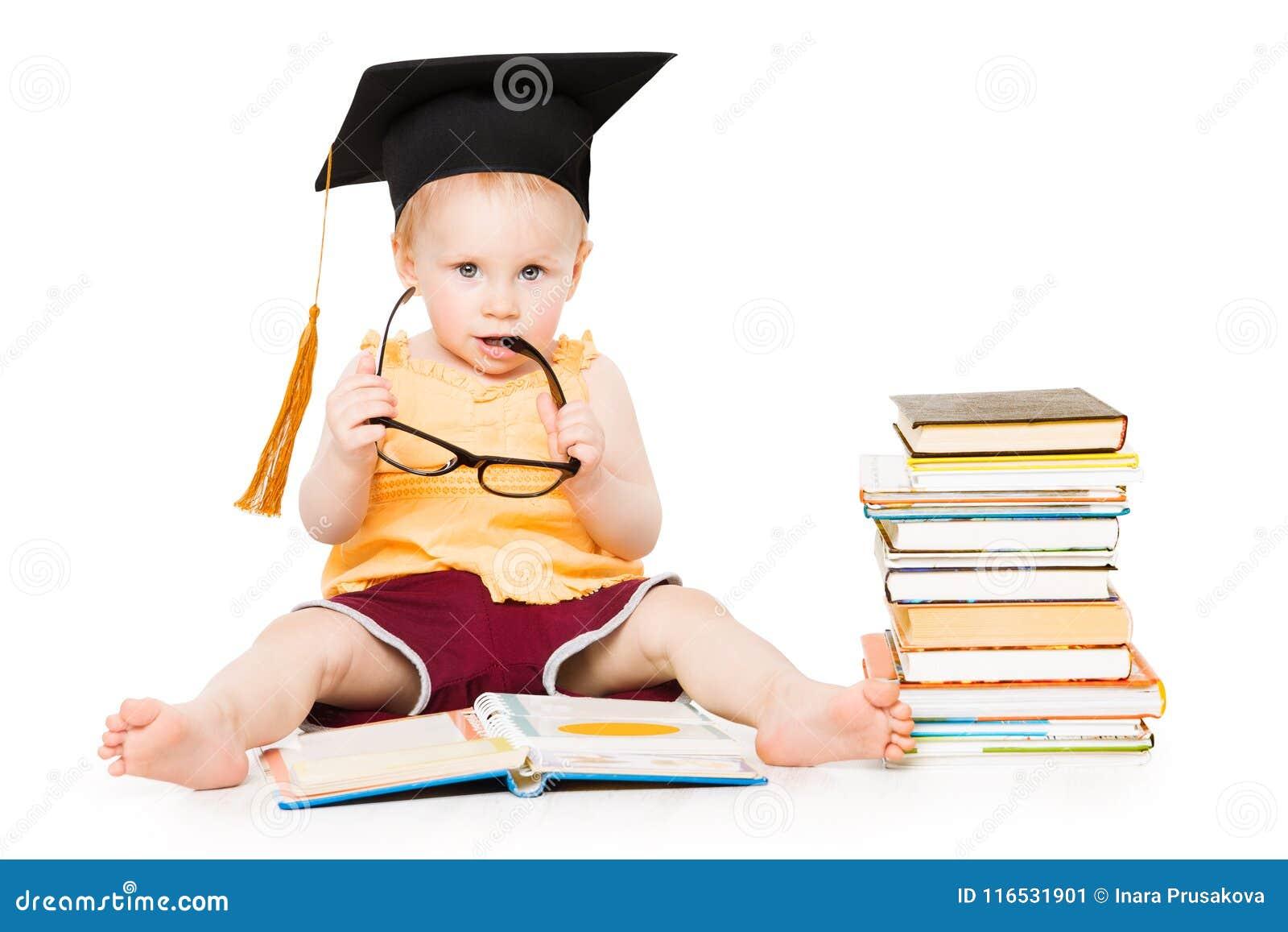 Behandla som ett barn den lästa boken i avläggande av examenhatten och exponeringsglas, det smarta barnet, vit