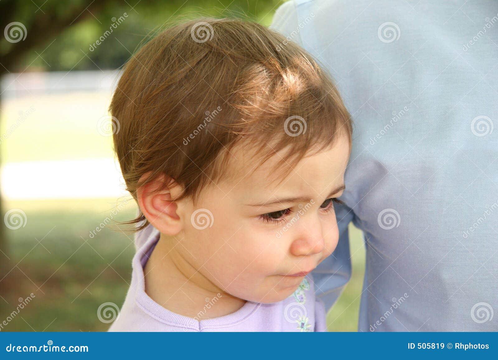Behandla som ett barn den olyckliga flickan