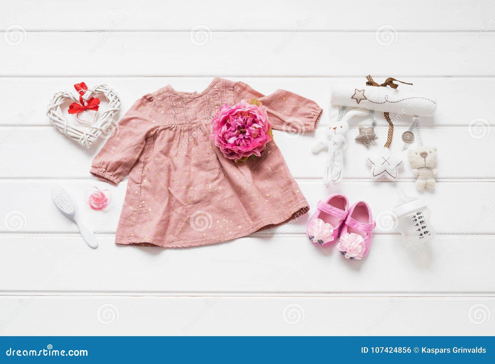 Behandla som ett barn lekmanna- kläder framlänges
