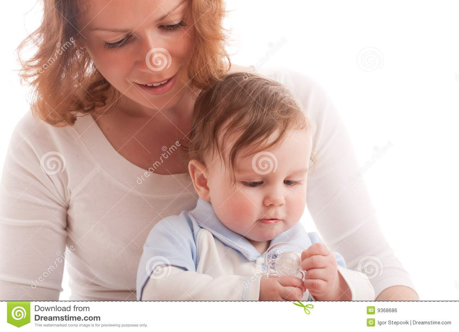 Behandla som ett barn ståenden för pojkemoderbarnuppfostran