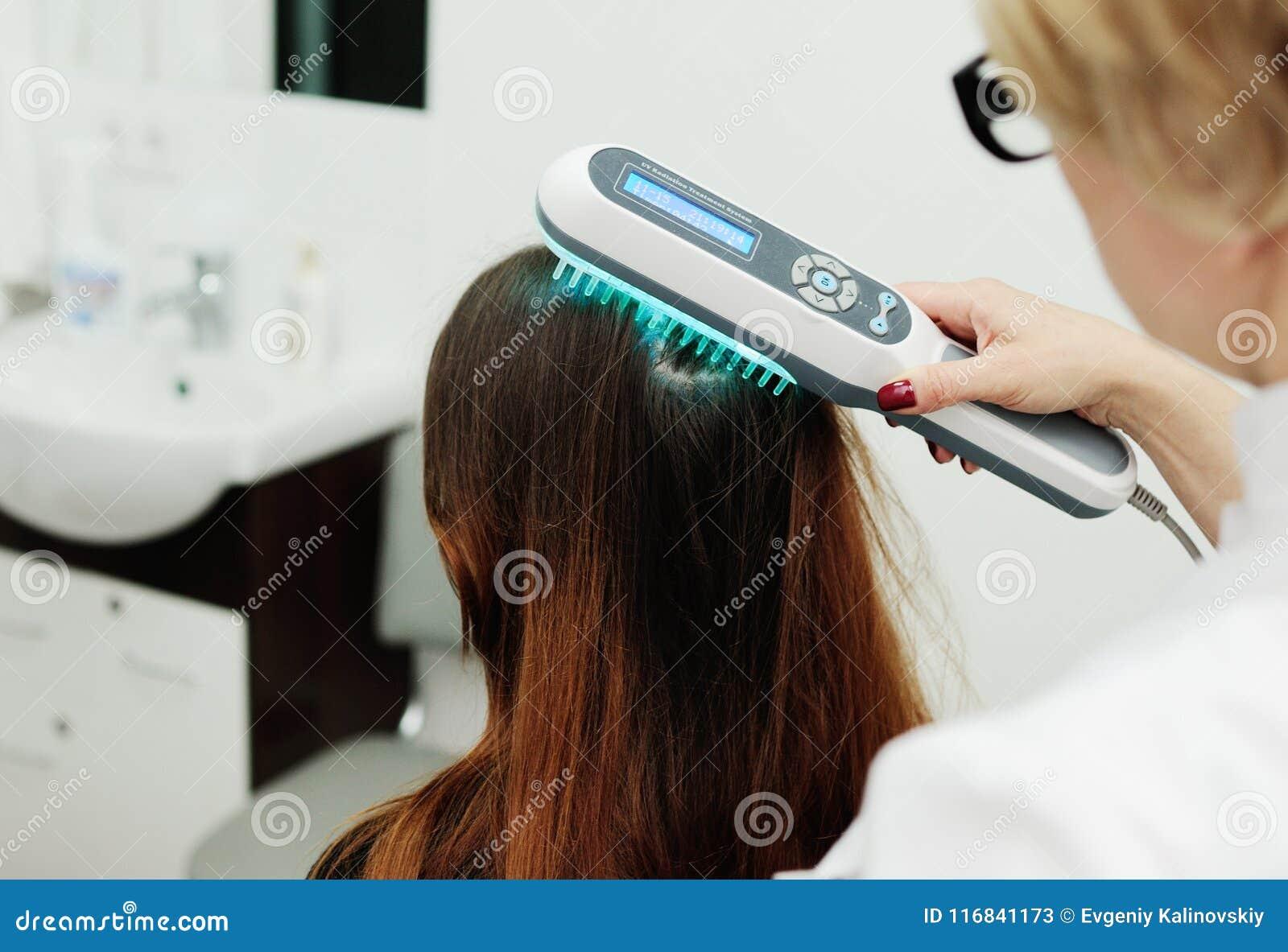 Behandlung der Kopfhaut- und Haarstrukturstudie