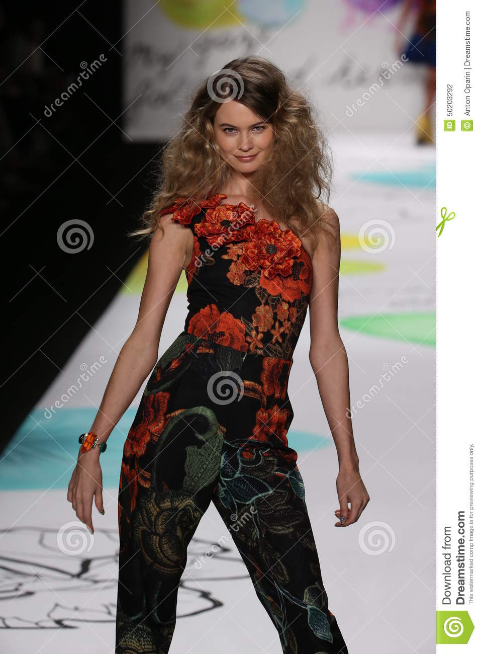 Behati prinsloo walks the runway at the desigual fashion for Mercedes benz clothes