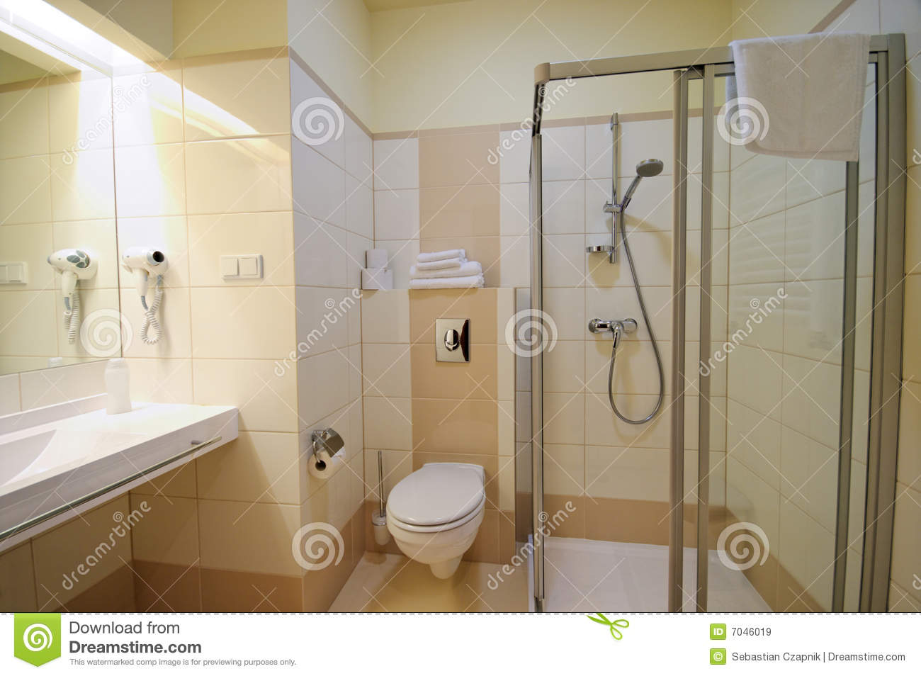Beige Bathroom Royalty Free Stock Images - Image: 7046019