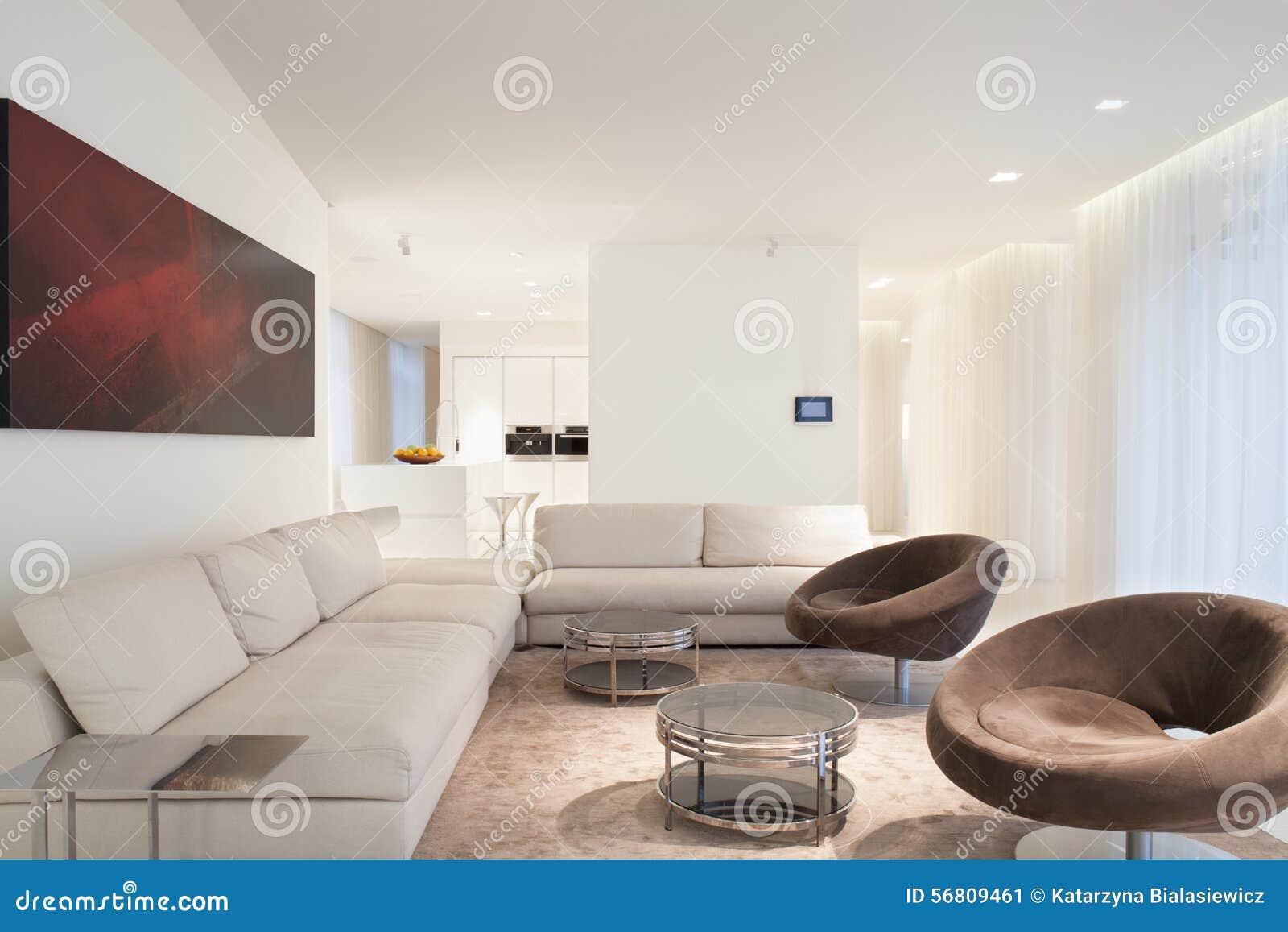 Beige lyx knäppas sovrum med filten arkivfoto   bild: 48232702