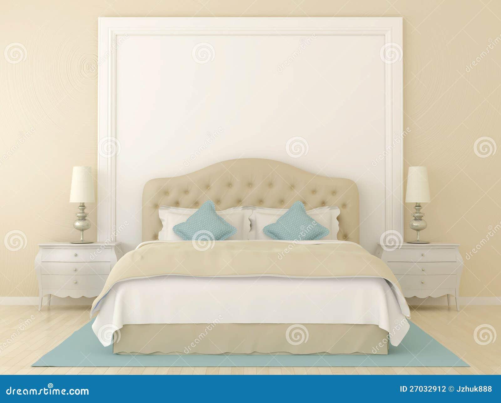 Slaapkamer in zachte beige kleuren met blauwe decoratie. Over het bed ...