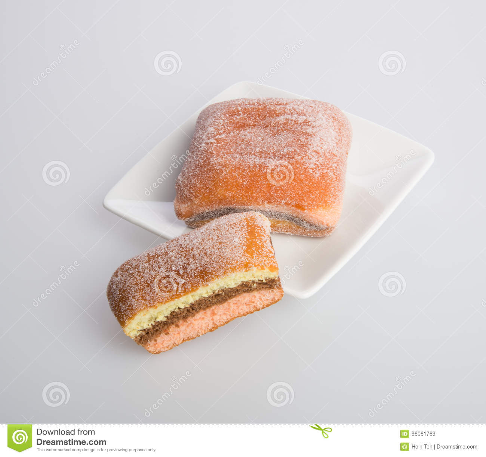 Beignet ou beignet de sucre sur un fond