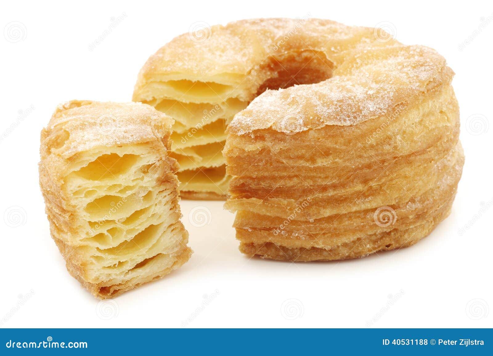 Beignet sucr de p te feuillet e avec un morceau de coupe photo stock image 40531188 - Pate a beignet avec levure de boulanger ...