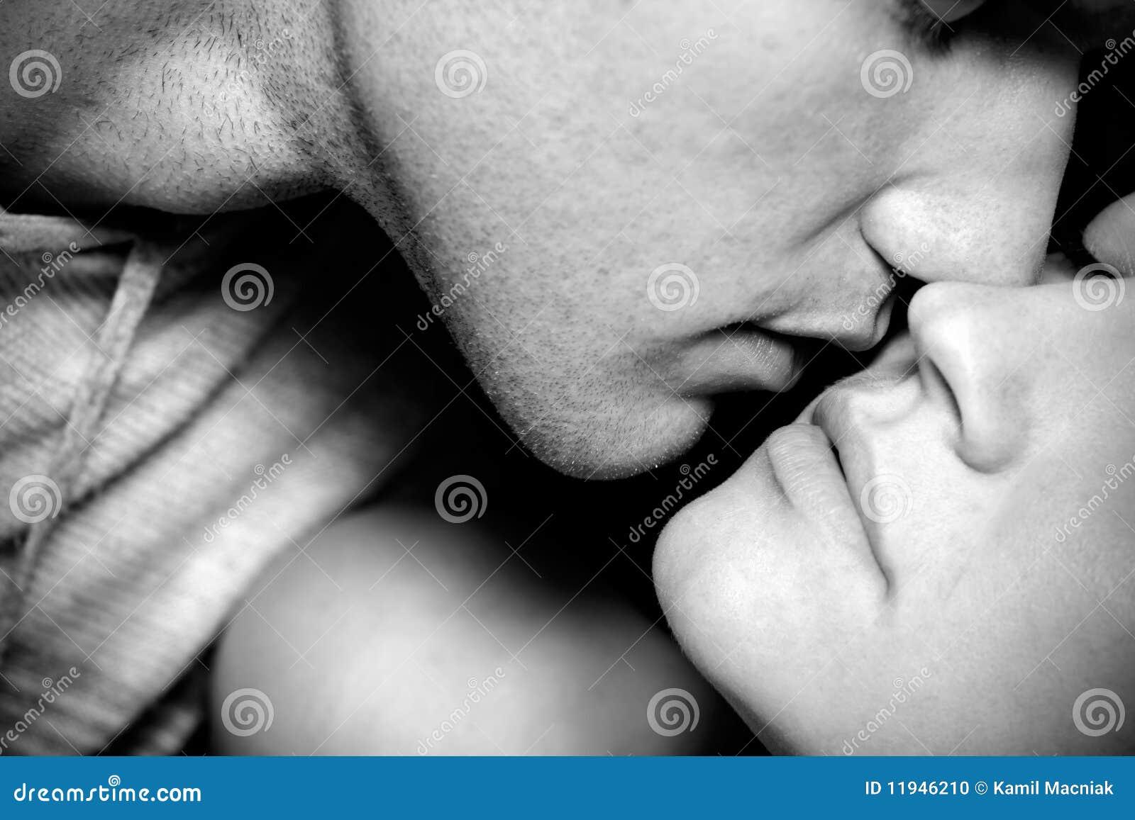 Beijo da mulher e do homem