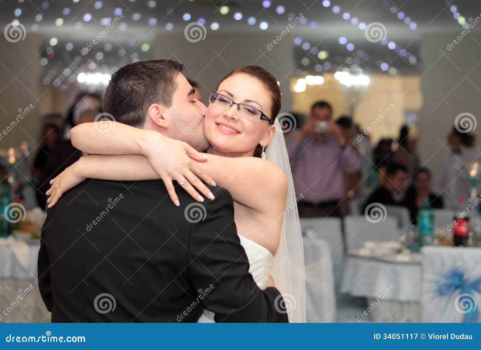 Beijo do banquete de casamento