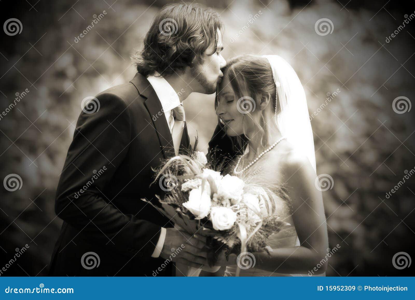 Beijo Wedding muito romântico