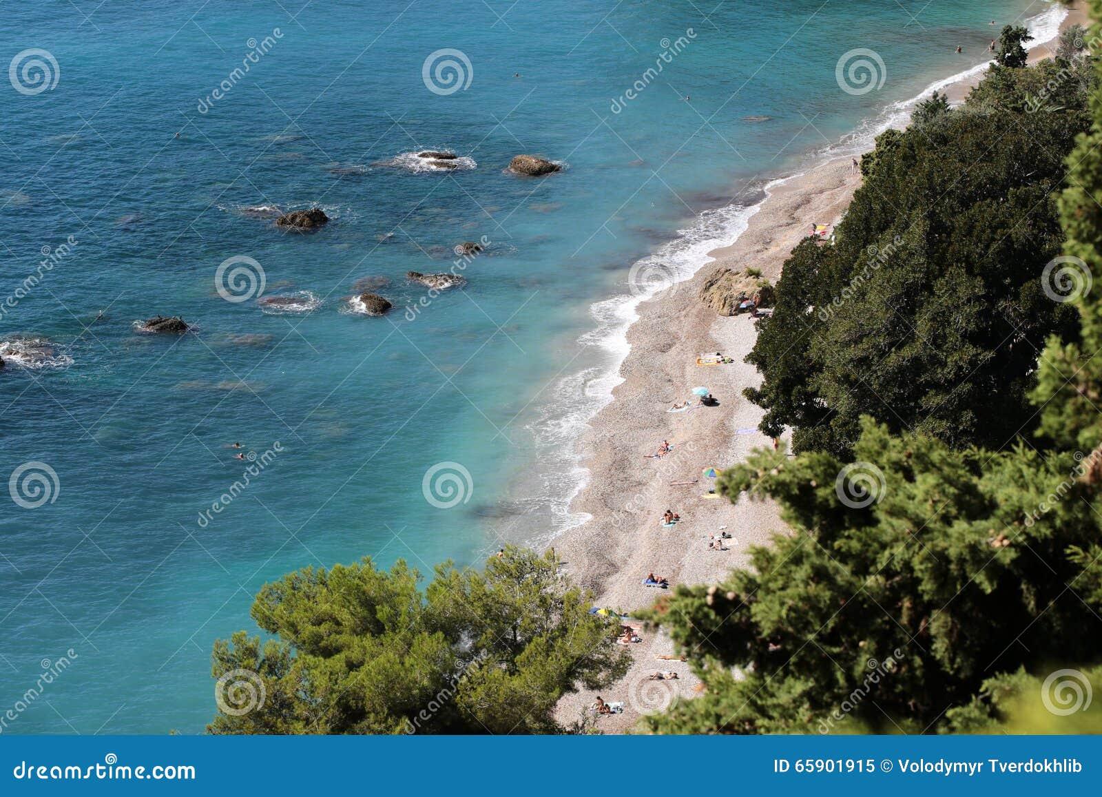 Beira-mar bonito visto de cima de