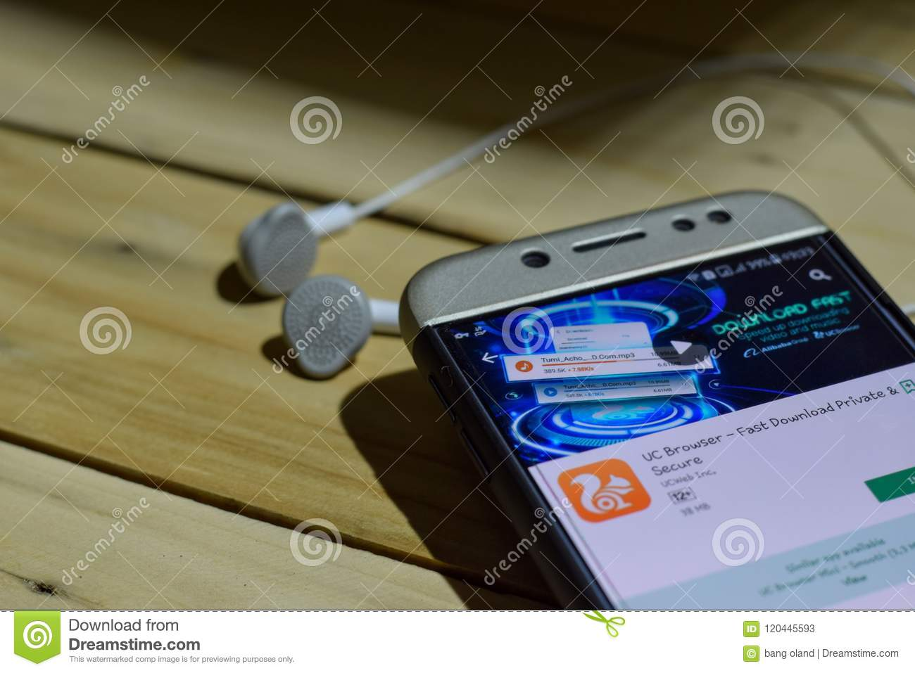 UC Browser Dev Application On Smartphone Screen  Fast