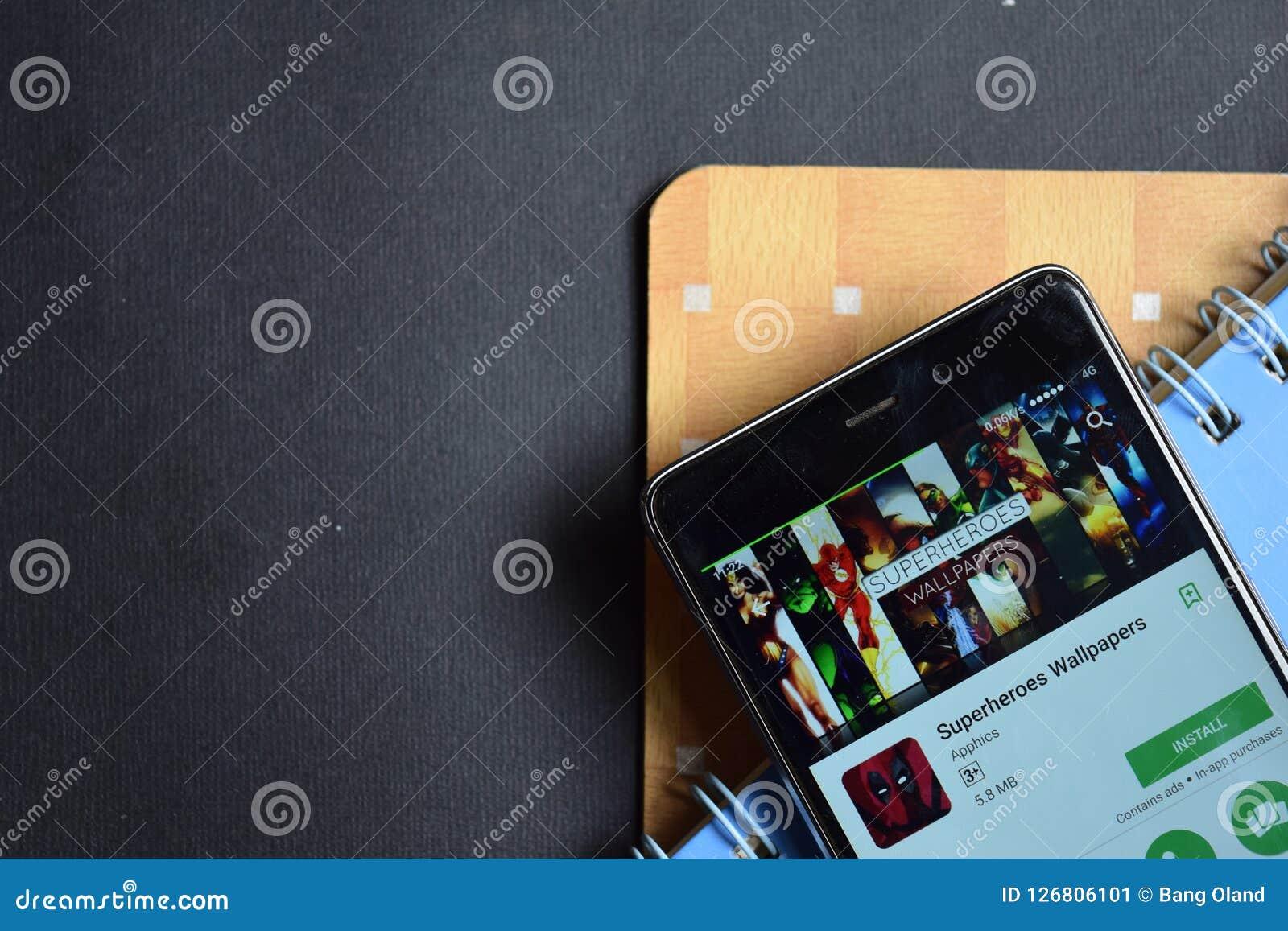 Superheroes Wallpapers Dev App On Smartphone Screen ...