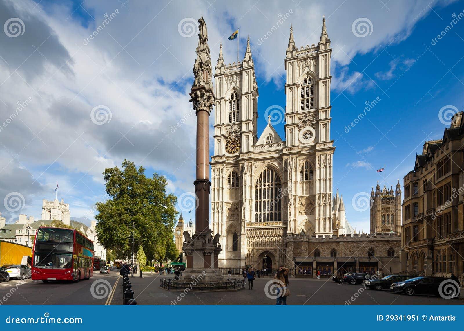 Bekläda facaden av den Westminster abbeyen på en solig dag. London UK