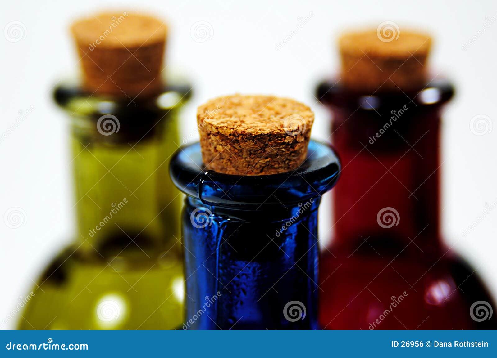 Download Bekorkte Flaschen stockfoto. Bild von auszug, nahrung, konzept - 26956