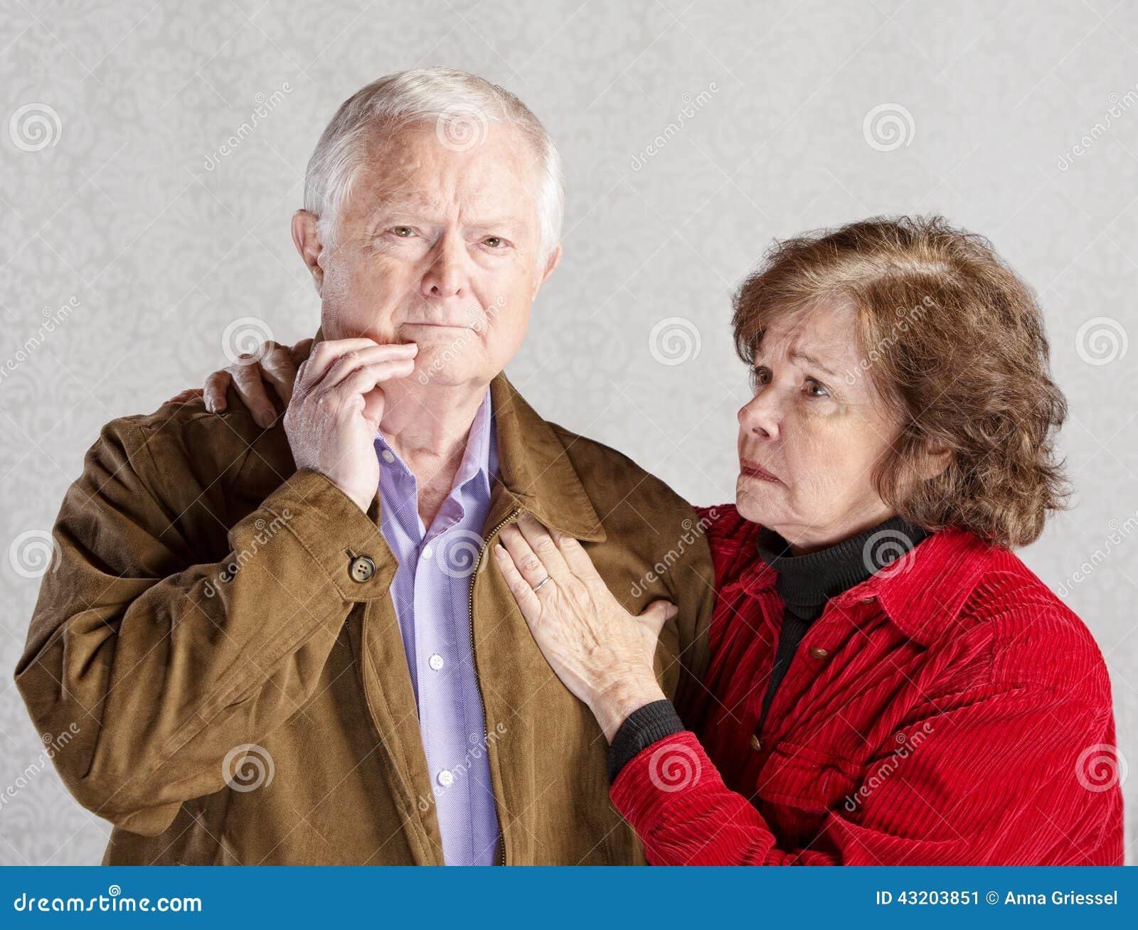 Download Bekymrade åldringpar fotografering för bildbyråer. Bild av gift - 43203851