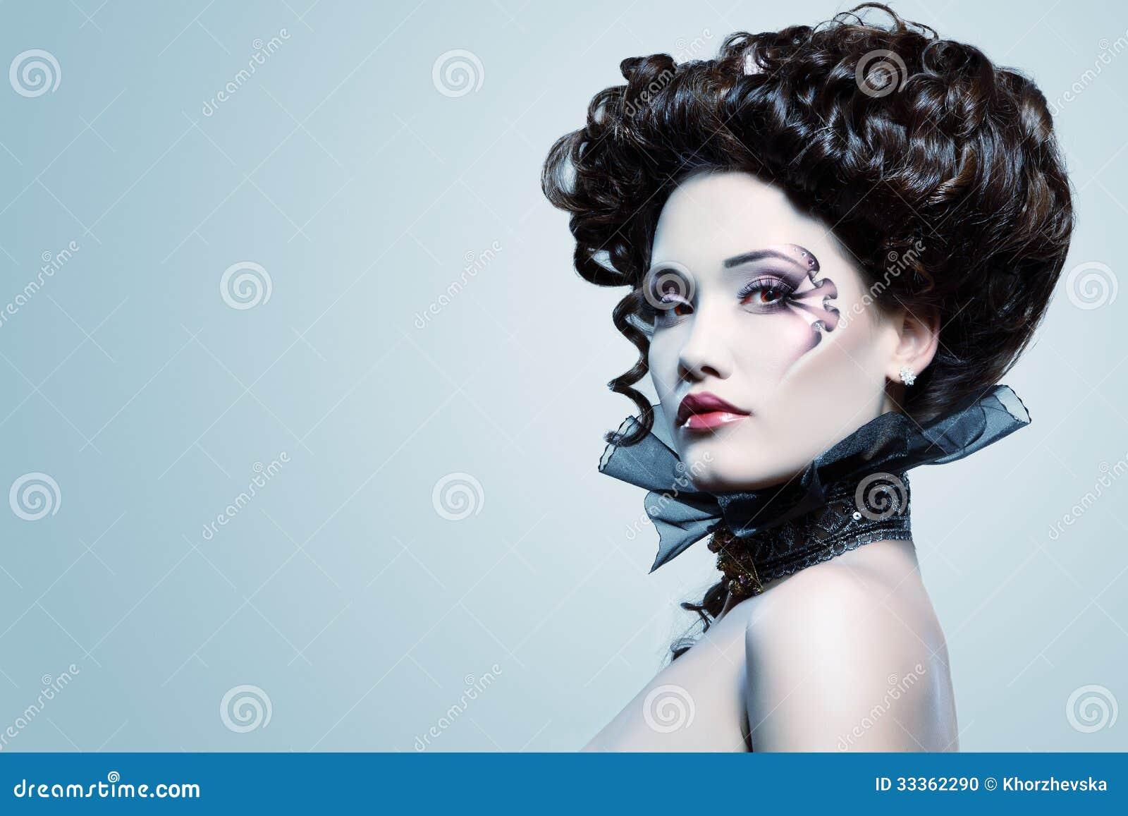 Bel Aristocrate Du Baroque De Vampire De Halloween De Femme Photo Stock Image 33362290