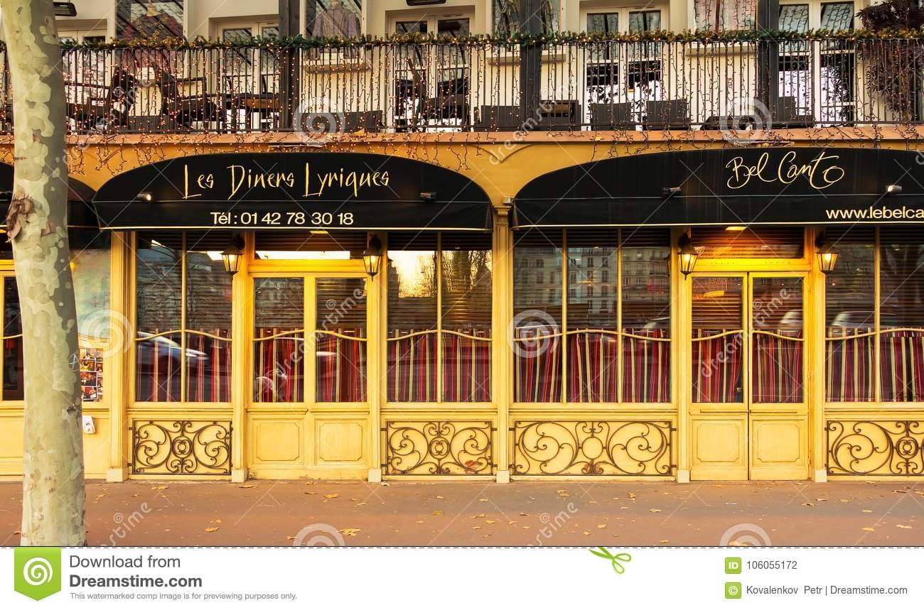 Bel Canto is traditional French restaurant and service from Opera singing waiters, Paris, France.