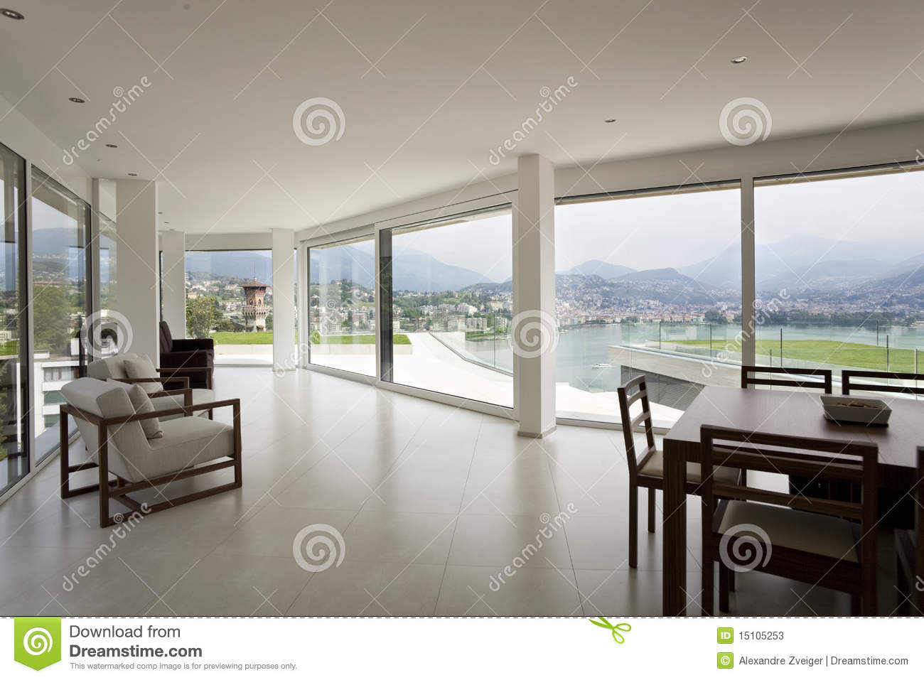 Bel int rieur d 39 une maison moderne photos stock image for Interieur moderne maison