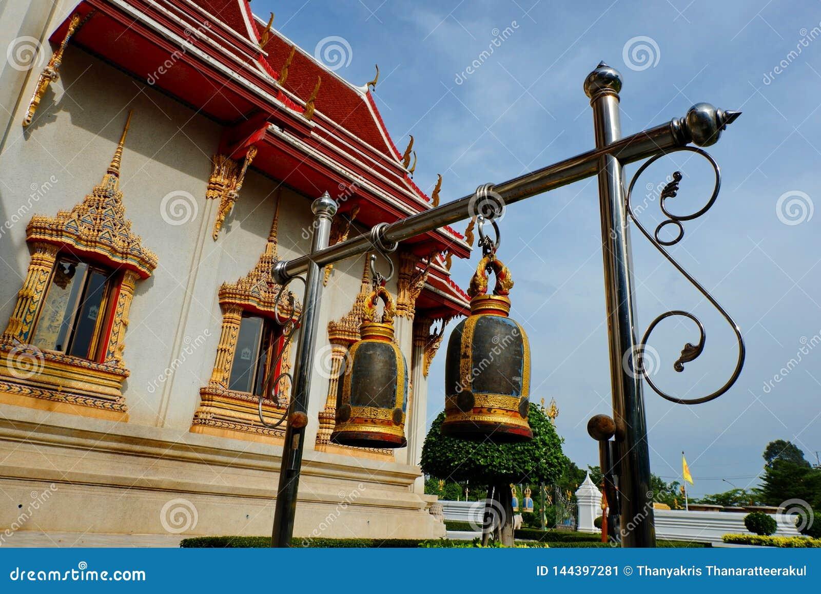 Belces en templos budistas