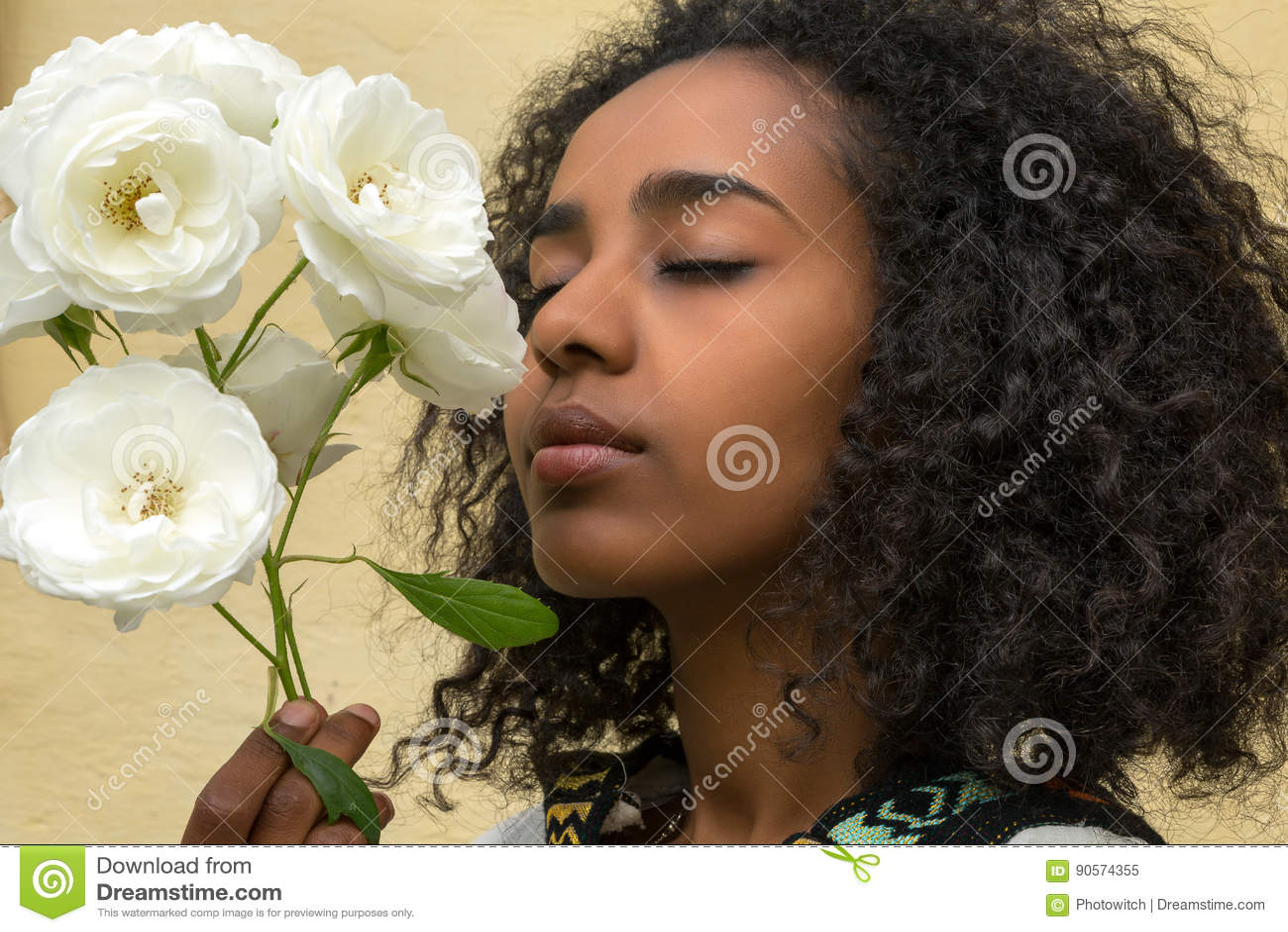 Beleza africana e rosas